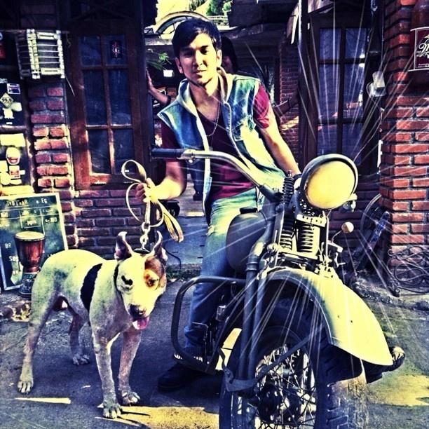 #iphonesia me with jocker (pitbullterrier) @trottoar cafe bandung - @ameclylapitbulldrums- #webstagram