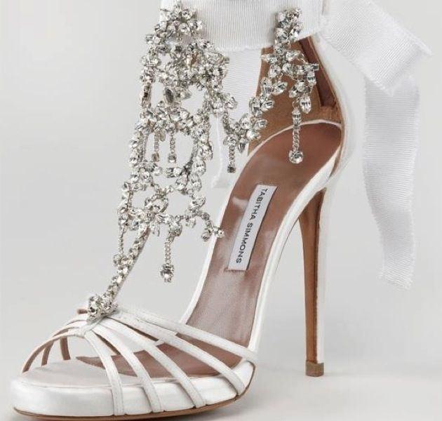 8 Must-Wear White Wedding Shoes for Guaranteed Perfection. To see more: www.modwedding.com