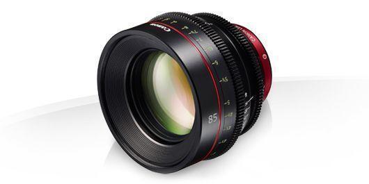 Canon CN-E85mm T1.3 L F El CN-E 85 mm T/1,3 L F es un teleobjetivo corto de focal fija y gran rapidez compatible con montura EF. Robusto, compacto y ligero (sólo 1,1 kg), ofrece una espectacular calidad de imagen 4K y una perspectiva y un ángulo de visión naturales, lo que lo convierte en la solución perfecta para trabajar en condiciones de poca luz y con una profundidad de campo reducida.  http://tiendacostarica.cr/camaras-digitales/