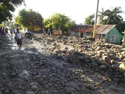 en directo: La Clavellinas  Bahuruco devastada  por creciente ...