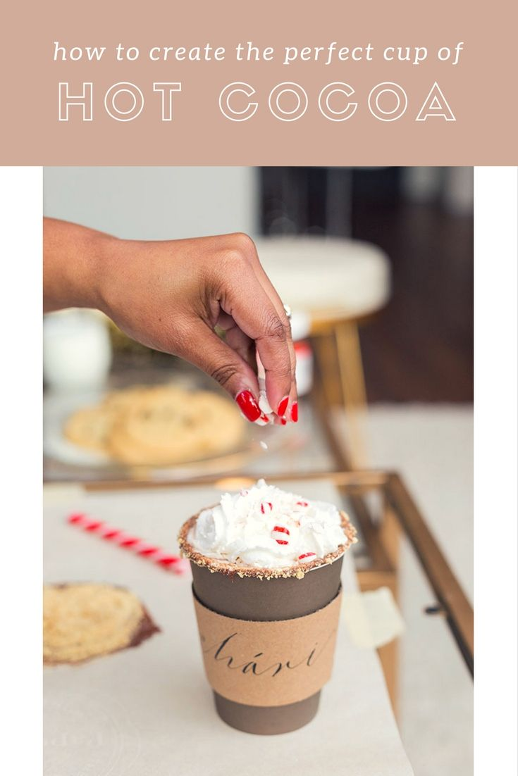 It's chilly outside, warm up with the perfect cup of hot chocolate. Chic Home Style shares her tips for making a self-serve hot chocolate #barcart