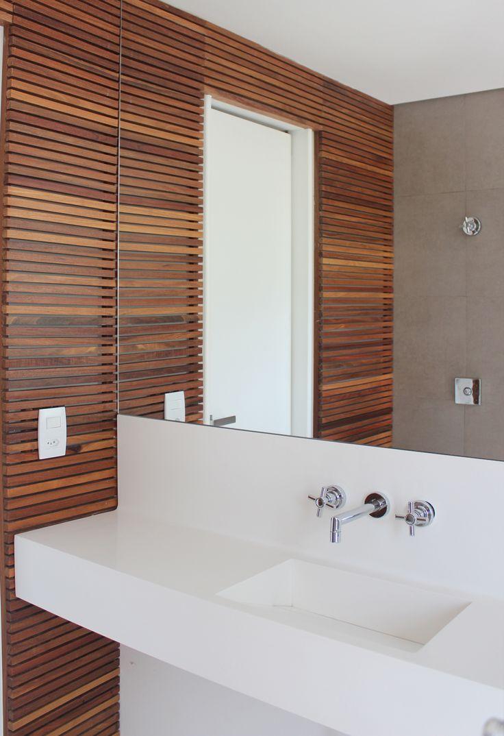 I am loving the Brazilian Designs I stumble upon. Always love to see what Designers in other areas are doing!   Um apartamento antigo virou um lar com personalidade. Veja: http://www.casadevalentina.com.br/projetos/detalhes/reforma-bem-vinda-672 #decor #decoracao #interior #design #casa #home #house #idea #ideia #detalhes #details #style #estilo #casadevalentina #bathroom #banheiro #lavabo
