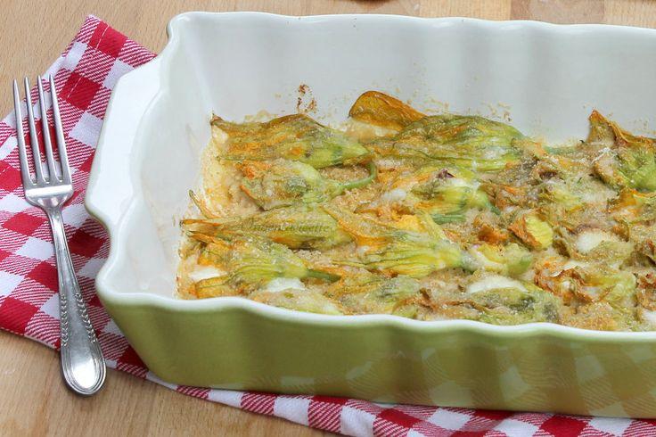 Fiori di zucca Alici e Mozzarella | Ricetta al forno Antipasto, contorno o secondo piatto. Facilissimi e veramente molto veloci da preparare, ottimi sia ca