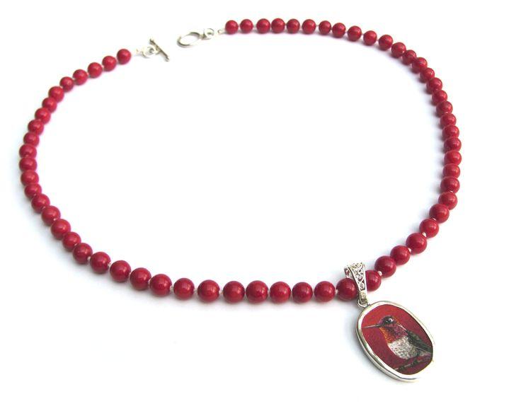 Red coral necklace with a hand painted Anna-hummingbird miniature in a silver plated pendant • verzilverde hanger met een miniatuur schilderij van een kolibrie aan een collier van rood koraal • ©Jeanne Melchels • www.etsy.com/nl/shop/JeanneMelchels