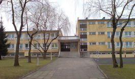 Pokaż zdjęcie szkoły