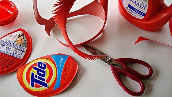 15 Ways to Reuse Detergent Bottles