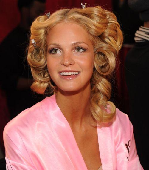 Making of Victoria's Secret Curls