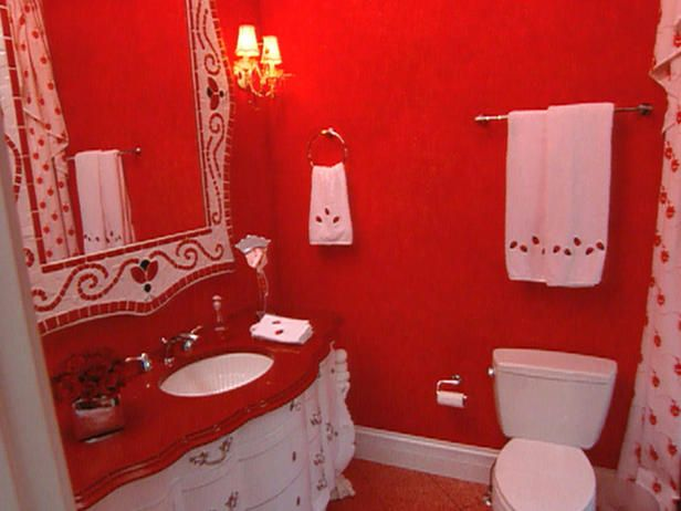 How to apply red bathroom d cor ladybug red bathroom for Red and gray bathroom sets
