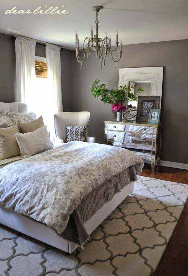 acogedor dormitorio de matrimonio                              …