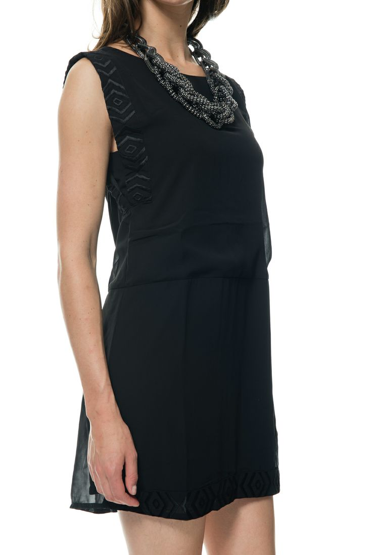 Vila dress charli black. Buy this dress now for less then €20,- at vimodos.com. Beautiful little black dress for the holidays.
