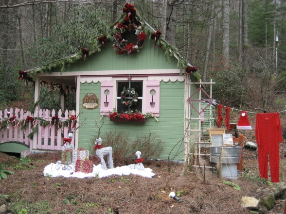Christmas At Crickhollow Cottage My Potting Shed Has