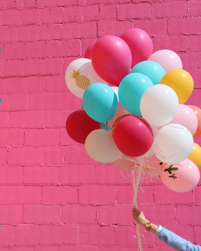 Just a little bundle of joy. Click the link in profile to shop all of the bright balloons in our collection.
