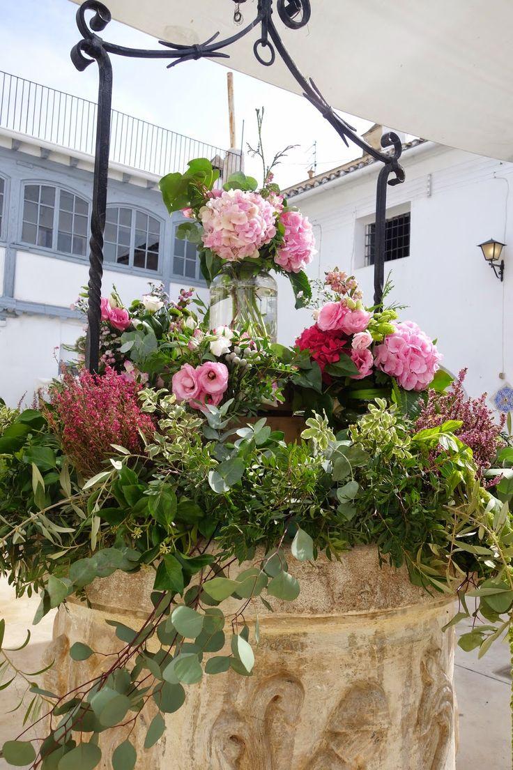 pozo con flores decoracion - Google Search