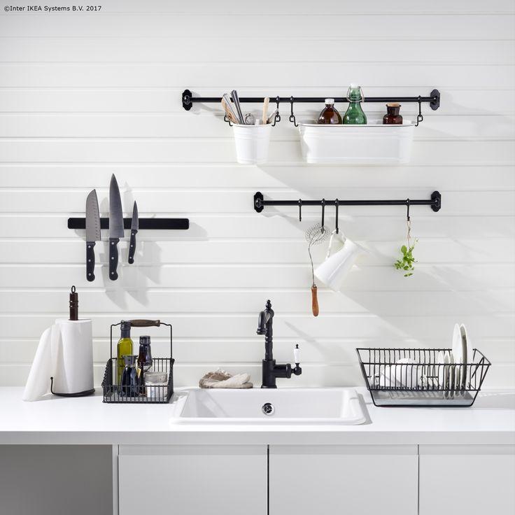 Șina FINTORP te ajută să eliberezi din spațiul de lucru, iar în plus, bucătăria ta va avea un aspect tradițional.