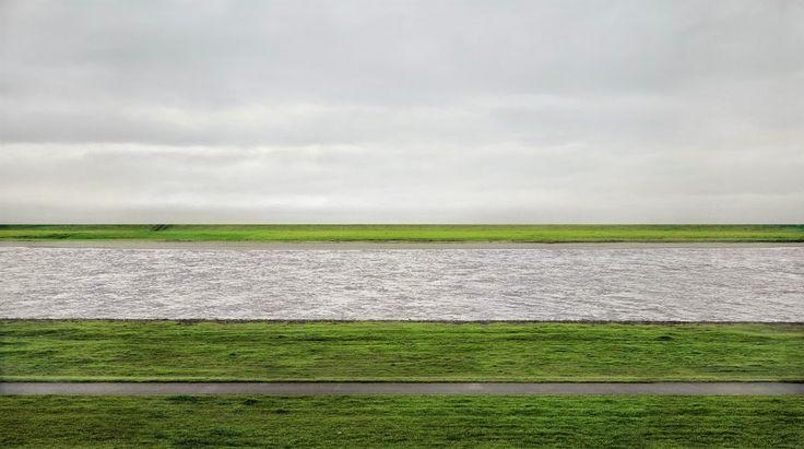 ANDREAS GURSKY Rhein II, 1999