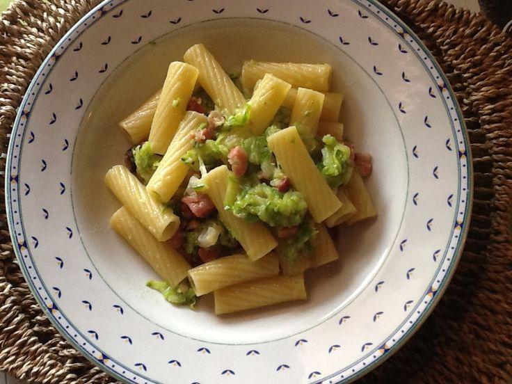 Rigatoni zucchine e speck
