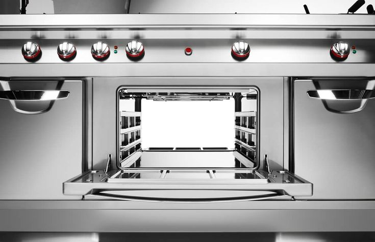 In the heart of the kitchen Omega is the 110cm-deep cooking range designed to be situated in the centre of the kitchen, guaranteeing maximum work efficiency on all sides. The range's performance is ensured by its central positioning; Omega maximises space, combines high power with consumption reduction, lowers costs and holds a CSQA hygienic design certification that guarantees easy cleaning.