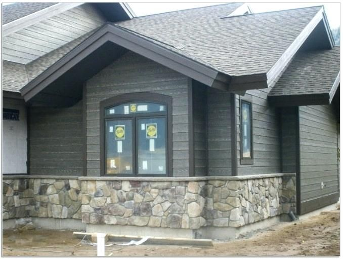 Like The Ledge At The Top Of The Stone Exterior Paint Colors For House House Paint Exterior Gray House Exterior