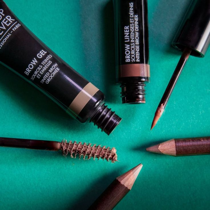 BROW SHOW finally a full eyebrow product range to solve every issue and to achieve the latest eyebrow trends. Brow Gel, Brow Liner and Brow Pencil, all in five different shades.