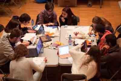 Cerca de 7.500 alumnos vallisoletanos han trabajado con eduCaixa durante el curso 2015 - 2016 para complementar la educación formal http://revcyl.com/www/index.php/educacion/item/8081-cerca-de-7500-alumnos-va
