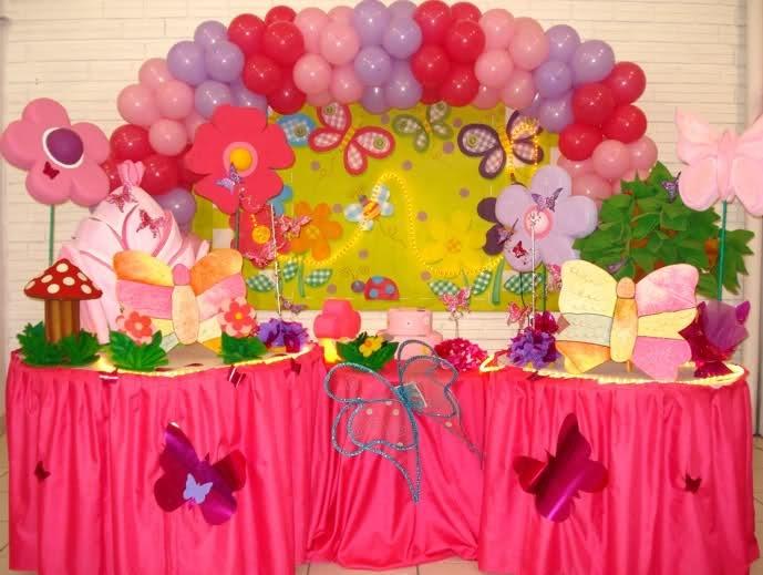 Mariposas en murar con globos y flores baby shower - Decoracion con mariposas ...