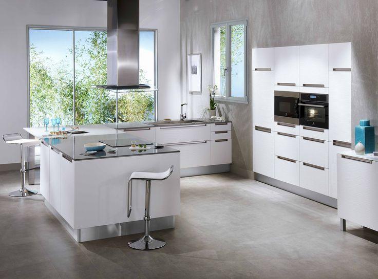Cuisine style contemporain, modèle STRIA (blanc) http://www.lapeyre.fr/cuisines/collections/collections-contemporaines/***-cuisines-montees/cuisine-stria.html