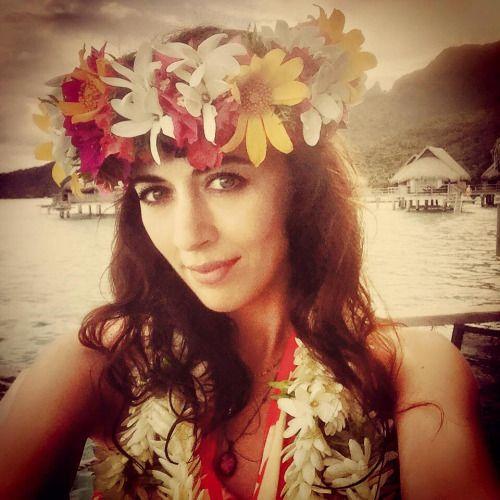 """ACOUSTIC TOUR   Papeete - Tahiti""""'Ia ora na TAHITI!!!""""Une véritable vahiné ! Quelques jours avant de donner ses deux derniers concerts acoustiques…  © Photo: #NolwennLeroy"""