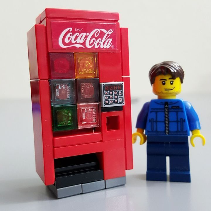 A little bit different design for a #LEGO soda dispenser to fit some specific requirements by jangbricks4real