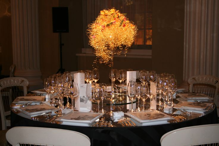 Wire cloud design - super minimalism flowers. Still luxurious. At Banqueting House in London for the charity Shine