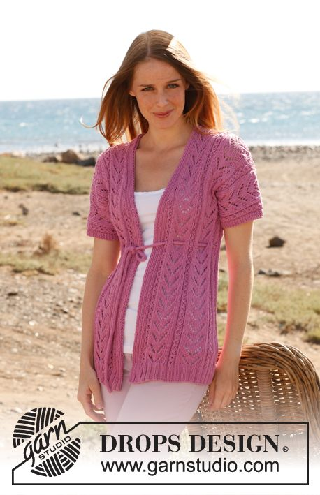"""Knitted DROPS jacket with lace pattern in """"Cotton Light"""". Size: S - XXXL. ~ DROPS Design www.garnstudio.com"""