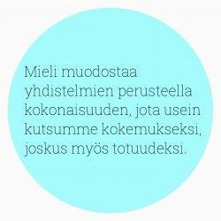 Sanna Wikströmin artikkeli: Olenko arvokas, jos en ole hyödyllinen? http://hidastaelamaa.fi/2015/04/olenko-arvokas-jos-en-ole-hyodyllinen/