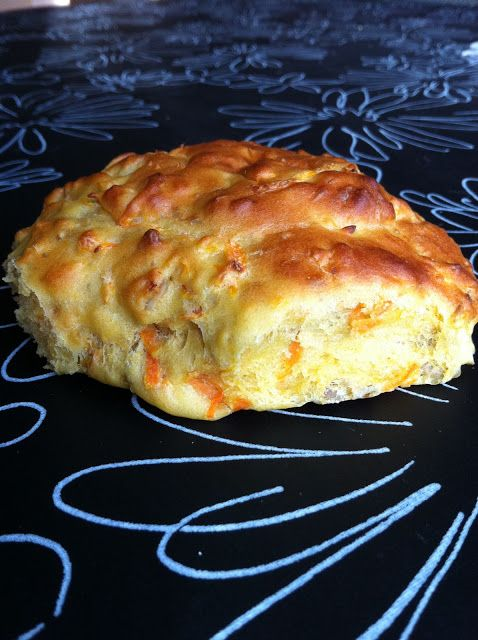 Carrot and Sunflower Bread - Gulerodsbrud recipe in Danish with a translator button