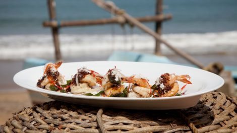 Prawns with Black Pepper and Curry Leaf Sauce