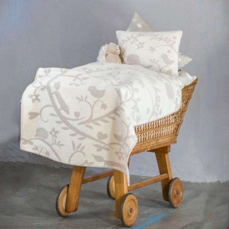 David Fussenegger Flower Heart Organic Cotton Baby Blanket – Bonjour Baby Baskets - Luxury Baby Gifts