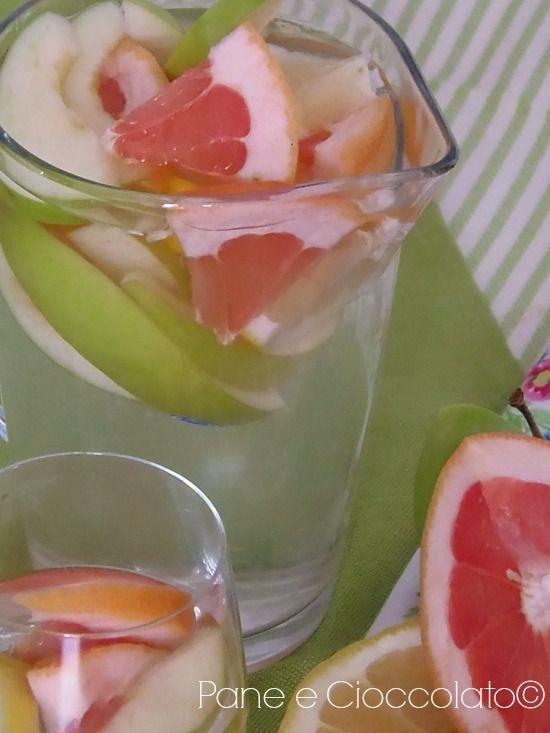Acqua Aromatizzata alla Frutta per bloccare la fame   Depurarsi e Dimagrire