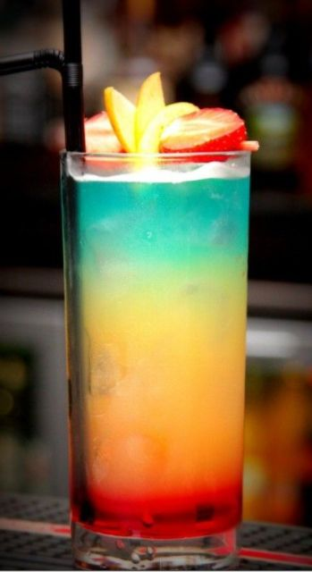 Paradise Cocktail - the prettiest drink ever!