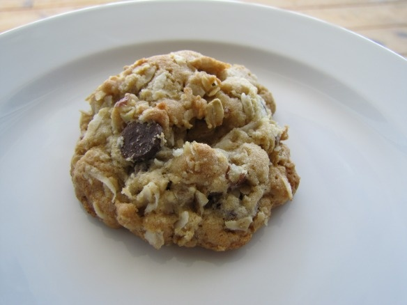 Cowboy Cookies - cinnamon, chocolate chips, oats, coconut, pecans: sounds great!