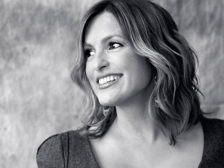 Mariska Hargitay is incredible - beautiful, powerful, courageous, caring, doing great work to empower women.