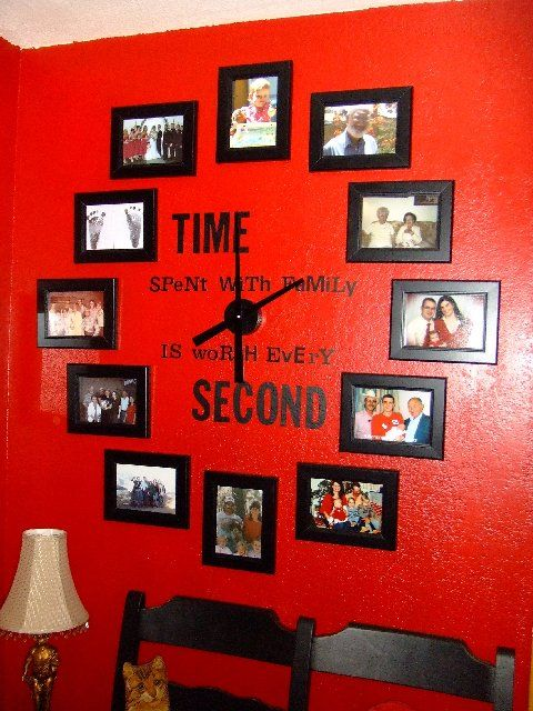 Time spent with family is worth every secondWall Colors, Families Clocks, Red Wall, Cute Ideas, Living Room, Families Photos, Wall Clocks, Families Room, Families Time