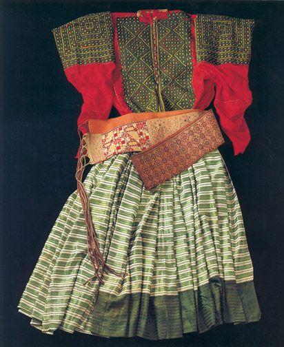 Jewish Moroccan Wedding dress and belt, early 20th Century