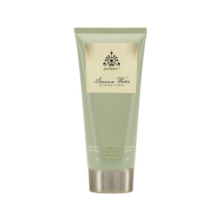 Cet après-shampooing est idéal pour démêler et faire briller vos cheveux. Il les hydrate grâce à de l'huile essentielle de jasmin, de la menthe poivrée, de l'ylang-ylang bio, de l'huile de jojoba, des extraits de grenade et de riz rouge. Riches en antioxydants et en vitamines, ces ingrédients sont tous 100% naturels. Il est idéal pour les cheveux normaux à secs, et en plus, on adore son odeur florale de jasmin, qui apaise l'esprit.