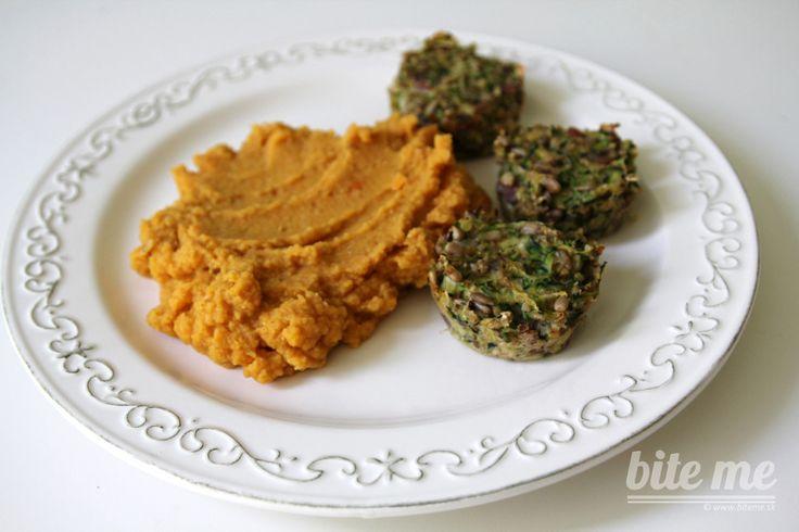 Cukinové muffiny s oranžovým pyré a cviklovým carpacciom
