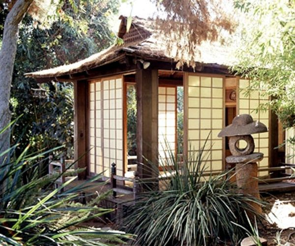 Good Plan For Garden Views Throw Open The Shoji Panels Of The Teahouse So That  Visitors Can See The Surrounding Garden. The Entire Structure Sits On An  Elevated ...