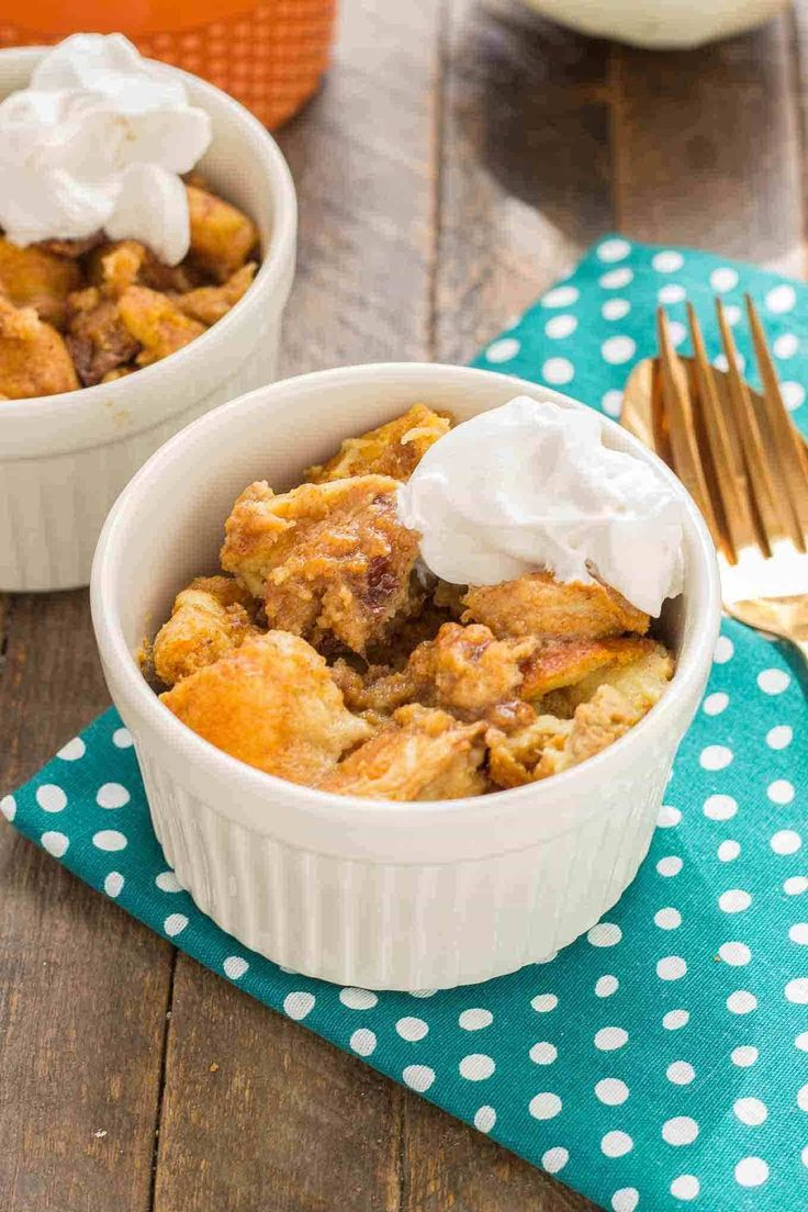 Warm and toasty, this Pumpkin Bread Pudding with Brown Sugar Sauce is pure bliss and then taken to another level with sweet brown sugar {whiskey} sauce! | Strawberry Blondie Kitchen