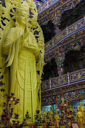 A DI DA PHAT QUAN THE AM BO TAT DAI THE CHI BO TAT GUANYIN KWANYIN BUDDHA 6761   Flickr - Photo Sharing!