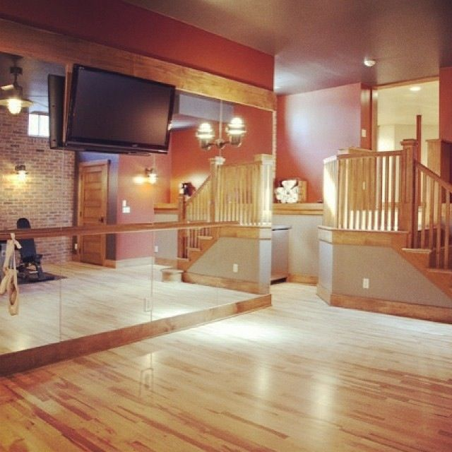 A dream home dance studio! *.*
