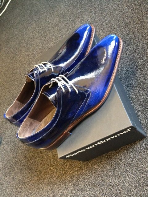 Floris van Bommel Shoes I like these with jeans. #JustBuyTheShoes