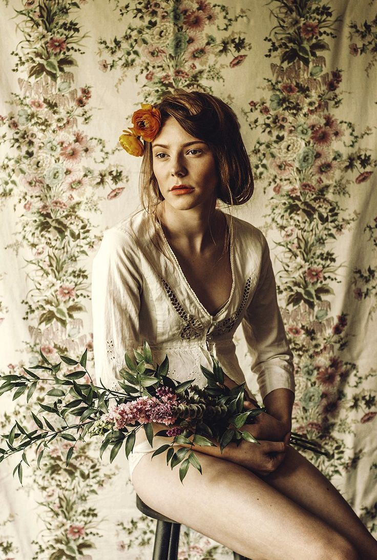 Iris Dinu - Look at the Cut, stylist, style, styling, floral, vintage