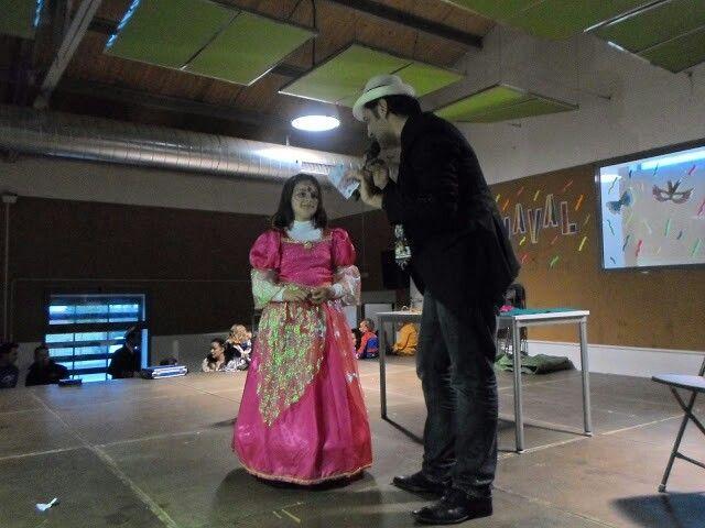 Magia infantil, magia para niños en el evento de murgas infantiles del carnaval de Fuente del Maestre en Badajoz.