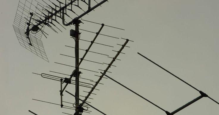 Cómo convertir 16 dBm en watts. El sistema de decibeles mide la potencia de una señal usando una escala logarítmica. Esto significa que cada incremento de 10 en los decibeles de una señal corresponde a un incremento de diez veces en su potencia. Una señal con una fortaleza de 0 decibel-miliwatt (dBm) tiene 1 miliwatt (mW) de energía. Una señal con una fortaleza de 10 dBm posee ...